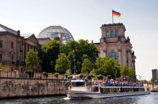 Berlin Schifffahrt Spree