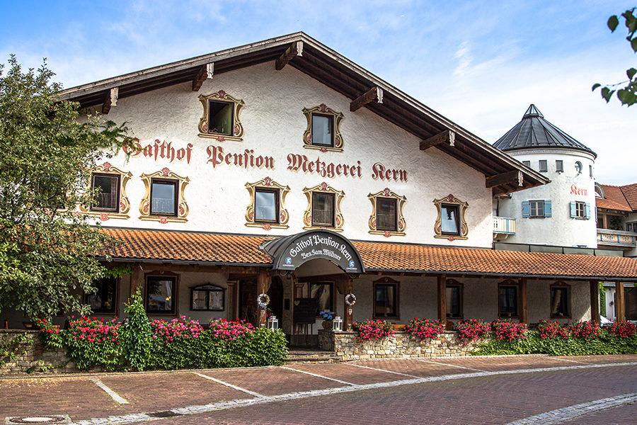 Chiemsee Hotel Kern Zimmer Aussenansicht