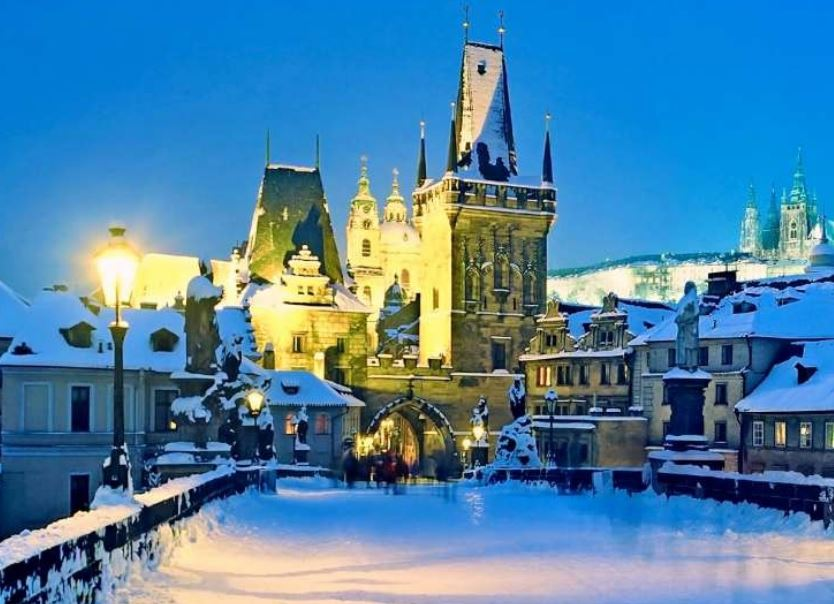 Prag Karlsbruecke Winter