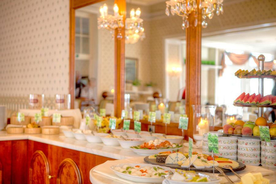 Buffet im Seetelhotel Esplanade au der Insel Usedom