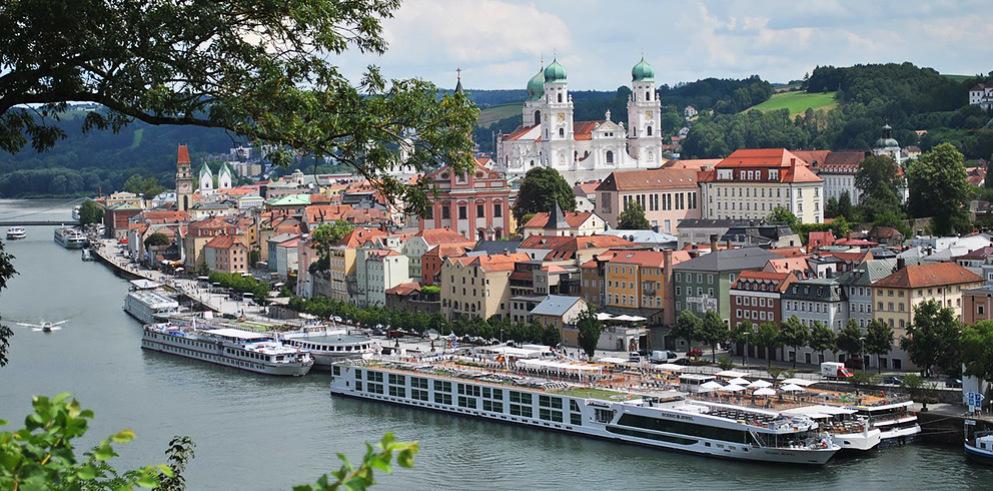 Passau Anlegestelle Donauschiffe
