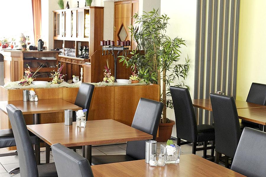 Restaurant und Frühstück Schlangenbader Hof