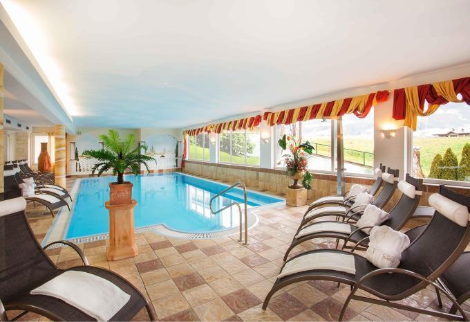 Sporthotel Tirolerhof Schwimmbad in Itter