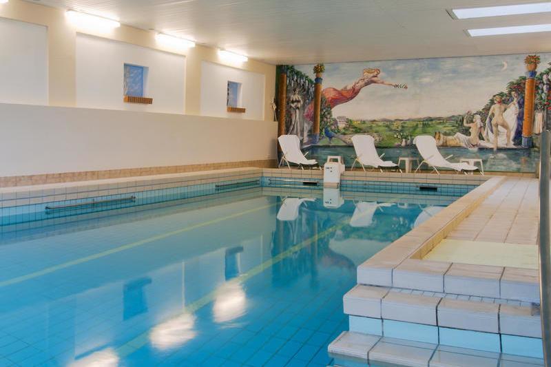 Das Hallenbad im Familienhotel & Ferienhotel Bad Malente