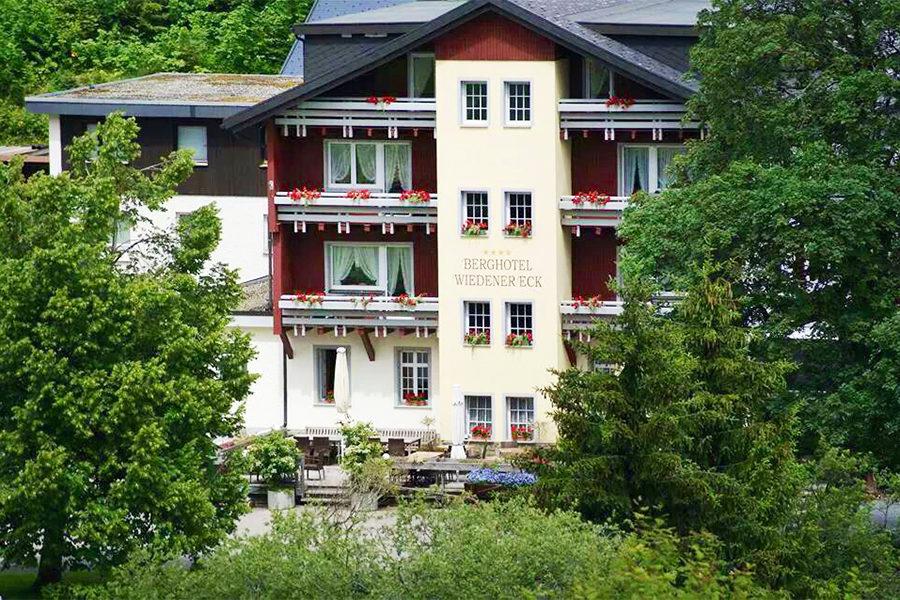 Hotel Wiedener Eck Schwarzwald Restaurant Aussenansicht