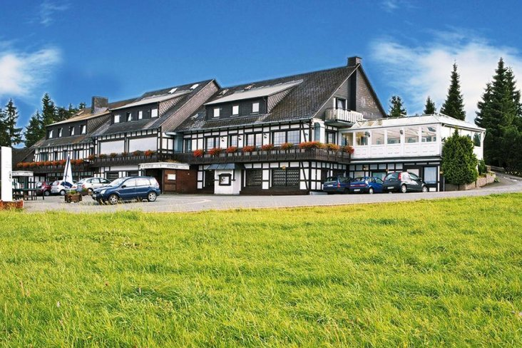 Aussenansicht Sauerland Wellneshotel Asten Village Winterberg Altastenberg