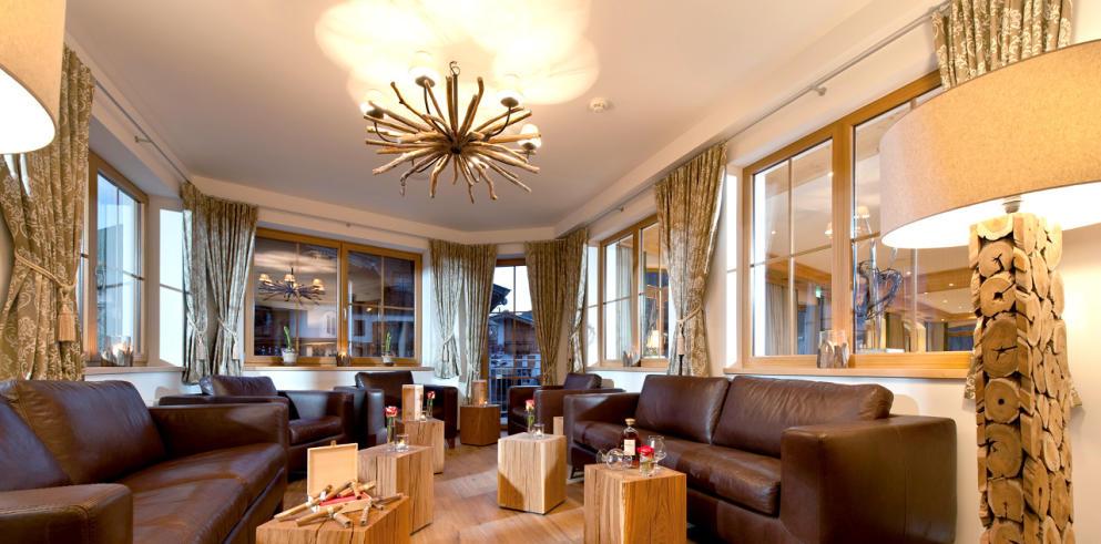Lounge im Hotel Kirchberger Hof Tirol Österreich