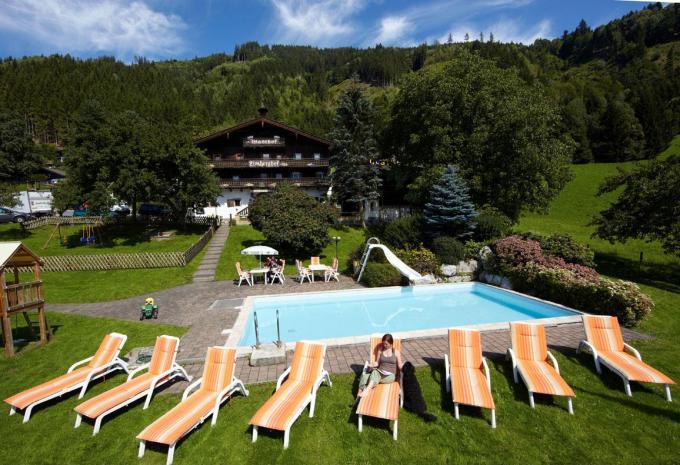 Wellness mit Pool, Sauan und mehr im Gasthof Limberghof