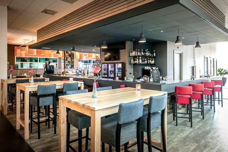 Restaurant und Bar des Hampshire Hotel Fitland Helmond