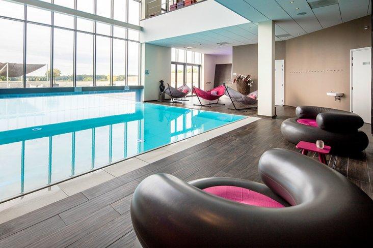 Schwimmbad und Pool im Hampshire Hotel Fitland Helmond