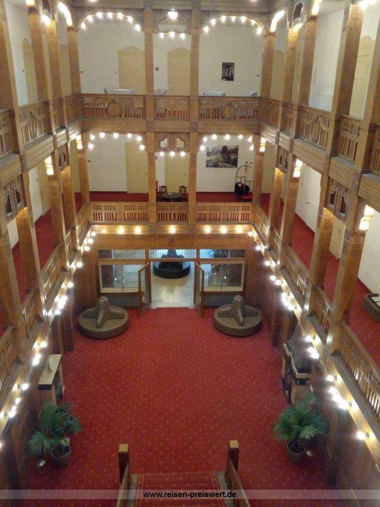 Historische Lobby Hotel Badehof Bad Salzschlirf