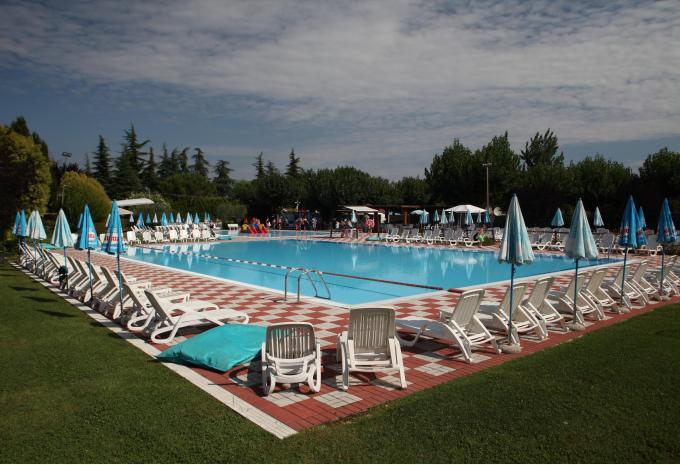 Pool Camping San Benedetto-Vecchio Mulino Italien