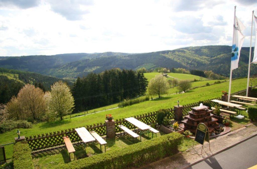 Blick auf den Odenwald vom Hotel Zum weissen Lamm