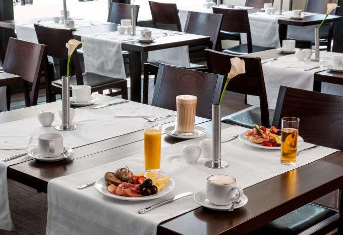 Frühstück im NH Berlin City West Deal