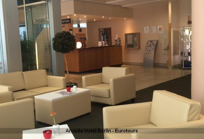 Arcadia Hotel Berlin - Lobby Rezeption