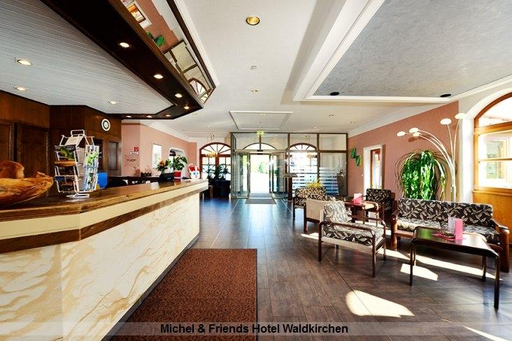 Michel & Friends Hotel Waldkirchen Empfang