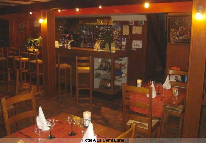 Speisen und Wein im Hotel A La Demi Lune