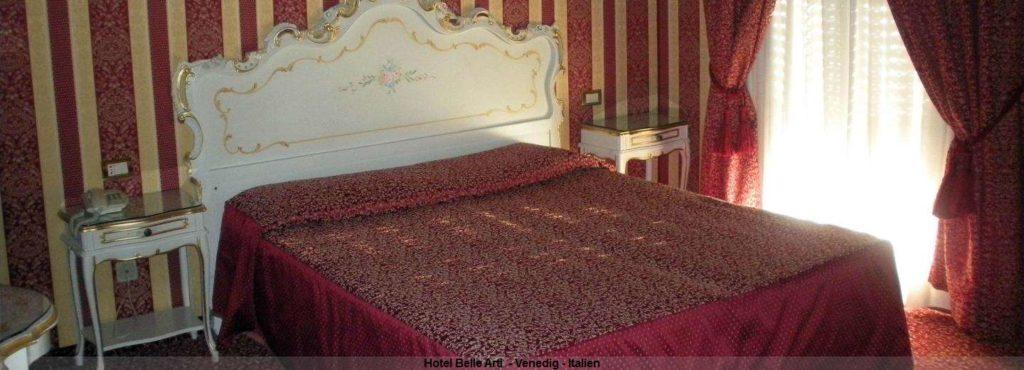 Zimmer im Hotel Belle Arti in Venedig