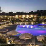 Pool am Abend im Hotel Falkensteiner Lake Garda